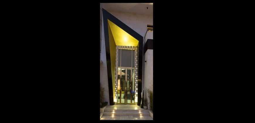 ساختمان ساروتی زعفرانیه